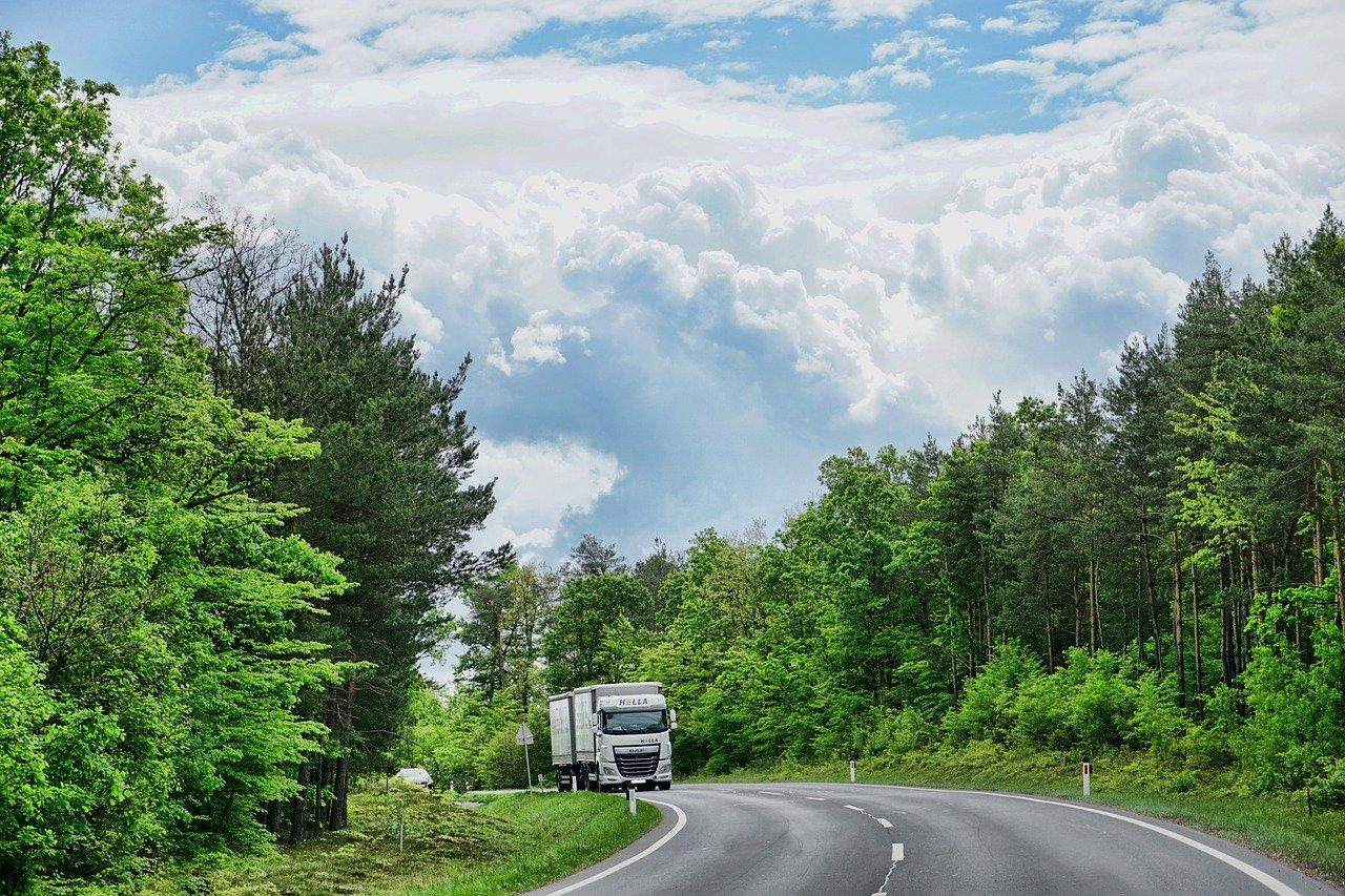 Jak znaleźć części do ciężarówek?